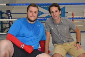 Dean Reilly (l) with Mark Beaumont (r)